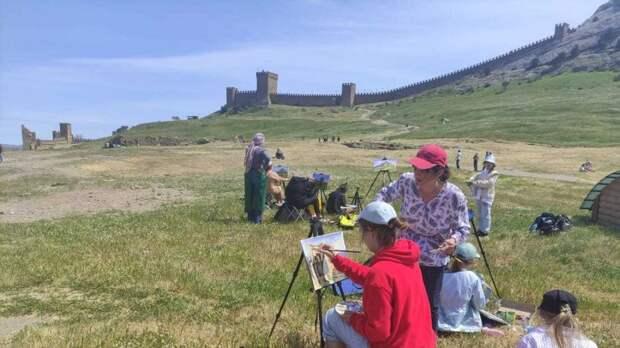 Художники со всей России собрались на пленэр в Судакской крепости