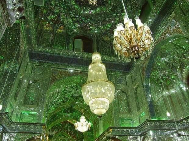 Мавзолей Шах-Черах — зеркальная мечеть в Иране