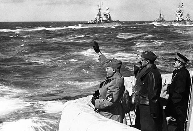 Бенито Муссолини у берегов Триполи, Ливия, 15 марта 1937 годаФото: AP