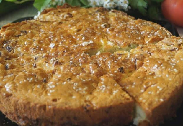 Заливной пирог из простых продуктов: рецепт подсмотрели у соседки из Турции