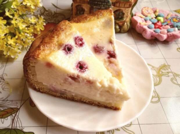 Освоила простой рецепт пирога. Похож на чизкейк, но гораздо нежнее
