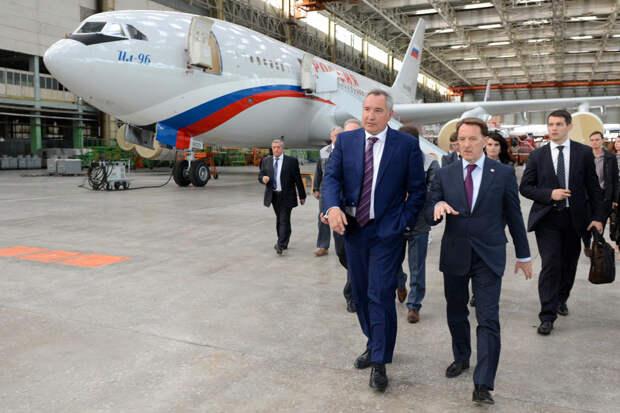Дмитрий Рогозин: Россия будет эксплуатировать только свои самолеты Фото: РИА Новости