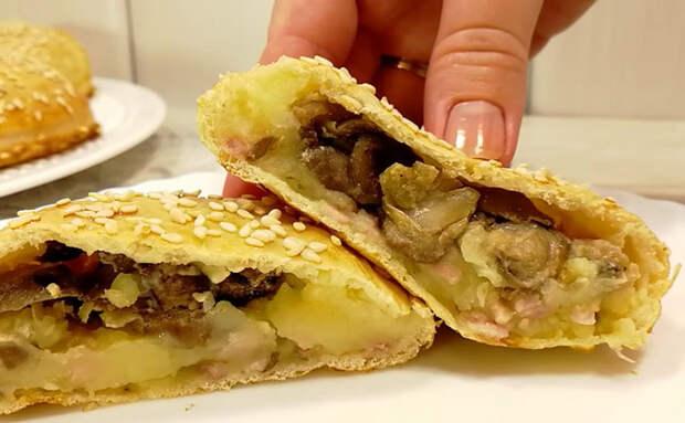Закладываем начинку внутрь начинки: получаются двойные пирожки