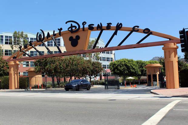 Disney сократит более 32 тыс. сотрудников из-за пандемии