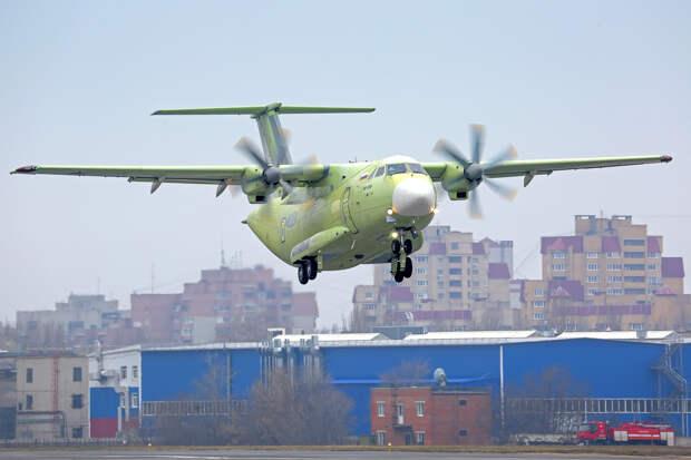 Опоздавший «Илюша»: Гражданский Ил-114−300 летит, военный Ил-112 В пока не телится