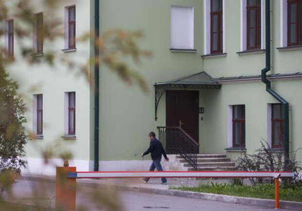 Московские власти массово сносят незаконные шлагбаумы