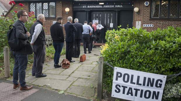 На выборах в британском Оксфорде вместо урны использовали багажник машины