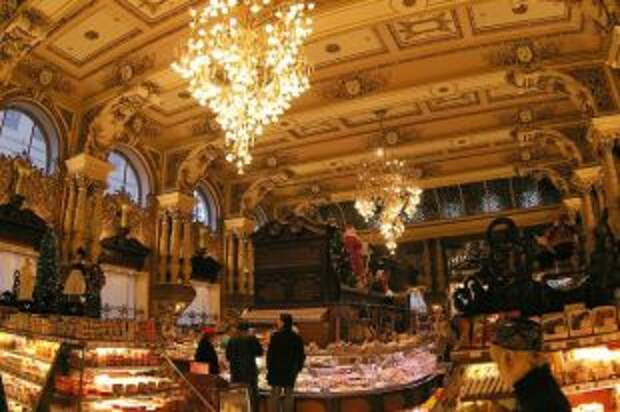 Гастрономы, рассчитайтесь! История самых известных продуктовых Москвы