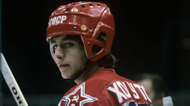 Легендарный гол советского хоккеиста Хомутова. Он развернулся на 270 градусов, чтобы начать разгром «Ванкувера»