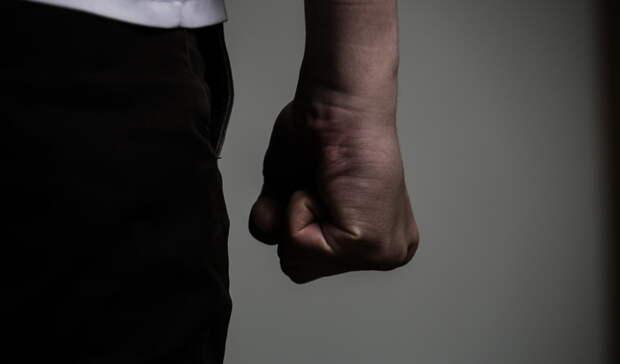 В Глазове мужчина случайно убил своего знакомого из-за оскорблений