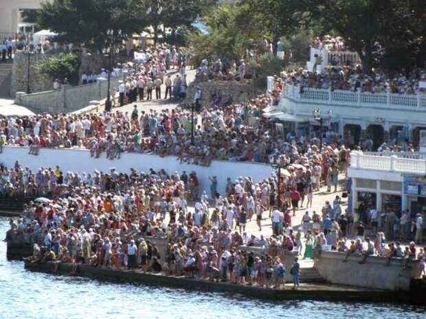 Украинцы и жители ЛДНР переезжают в Крым на ПМЖ