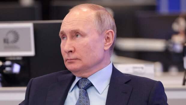Путин признал эффективность дополнительных выходных в майские праздники