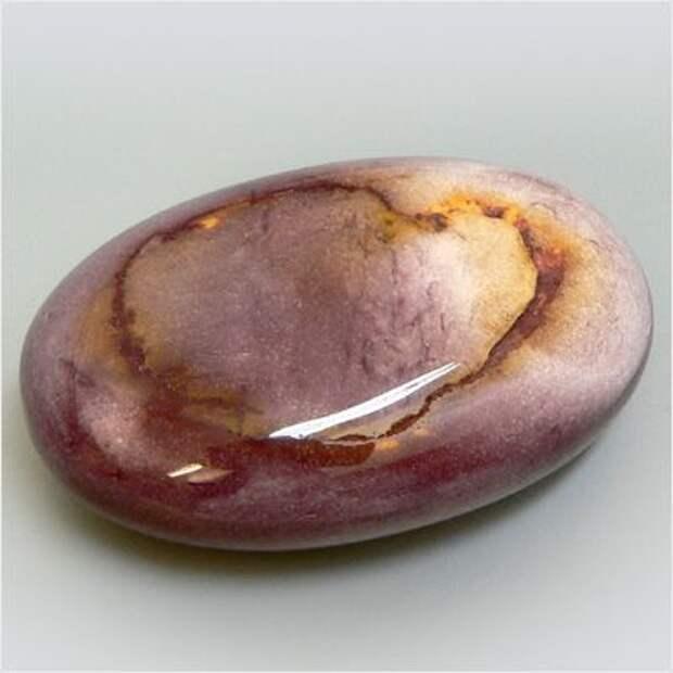 Мукеит это минерал. Физические свойства, описание, месторождения и фото.  Камень Мукеит.