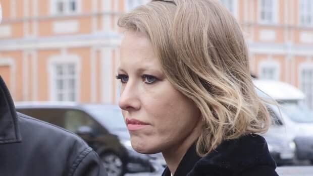 Шахназаров предложил Собчак отправиться в Латвию после ее слов о параде Победы
