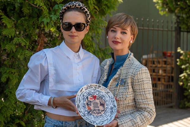 Кристина Асмус и Милош Бикович исполнят главные роли в комедии «Хочу замуж»