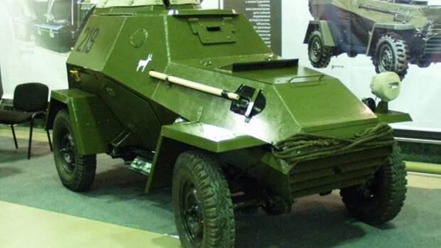 Командирский броневик БАШ-64 воссоздан в Новосибирске
