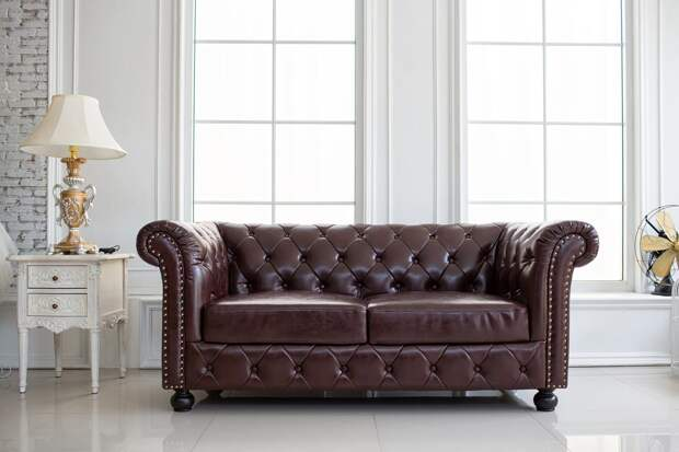 Особенности перетяжки кожаных диванов