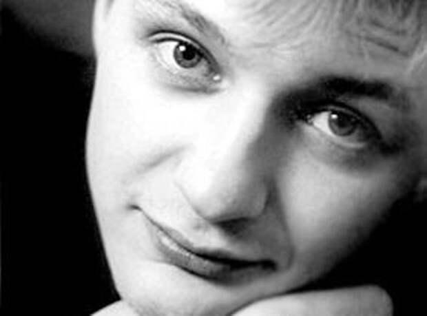 Марат Башаров в юности   Фото: kino-teatr.ru