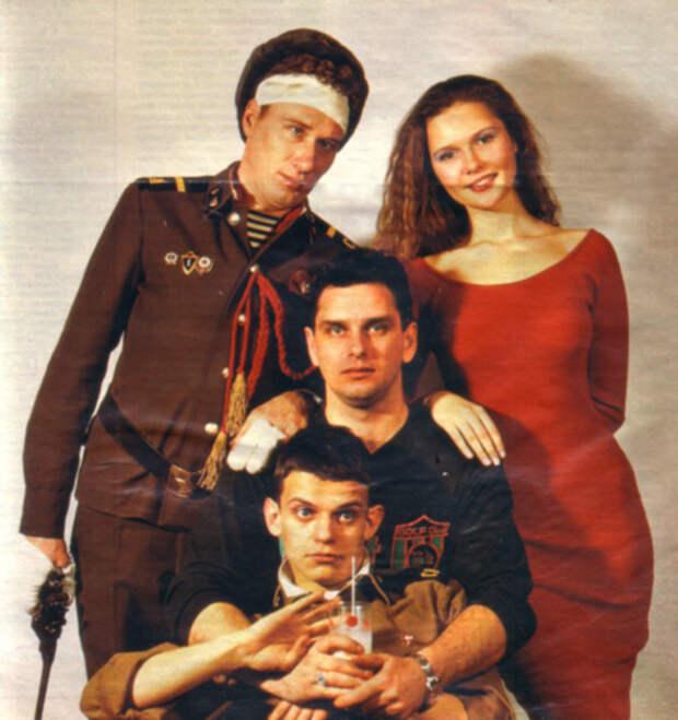 Кино 90-ых: Здравия желаю, или бешеный дембель (1990).