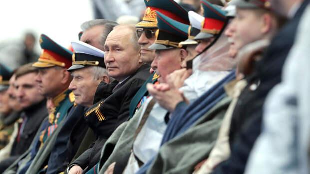 """""""Нам нужно бороться"""": речь Путина на параде Победы вызвала бурные обсуждения в Китае"""