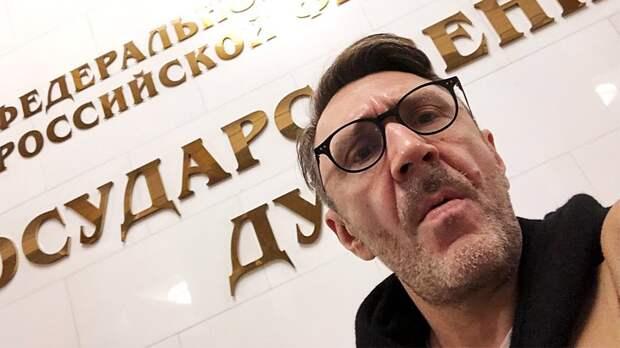 «Спирт нужен, чтобы подтираться. Хватит его пить!» Шнур призвал россиян отказаться оталкоголя накарантине