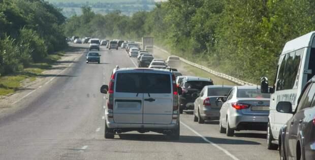 Как наказывают водителей, не пускающих в ряд «лихачей», обгоняющих «по встречке»
