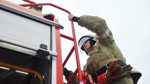 В Ульяновской области загорелся склад и пять домов