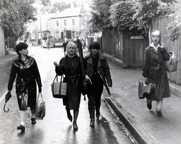 «Нетипичные девушки»: представительницы панк-движения с 70-х и до 90-х годов