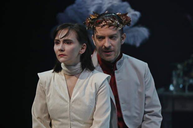 «Ты довольно ходил по крови!»: в театре Вахтангова премьера спектакля «Саломея»