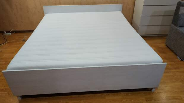 Как сделать каркас кровати дешевле 5000 рублей своими руками.