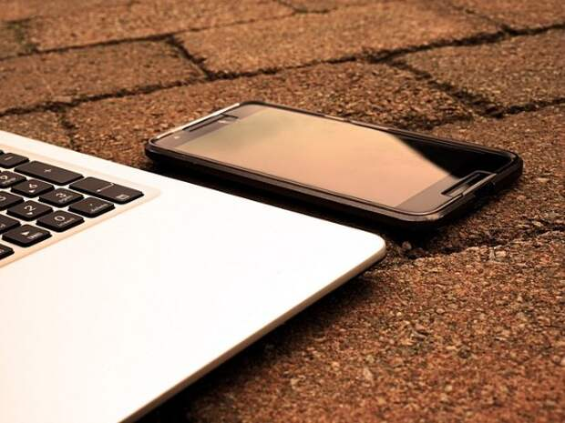 ФАС предложила предустанавливать российский софт на смартфоны и компьютеры