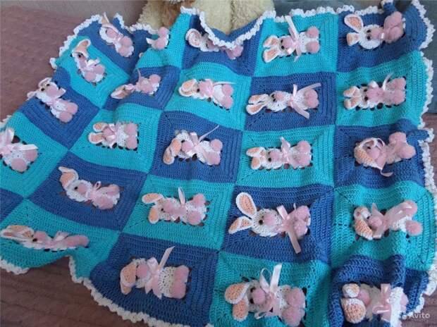 Плед с зайчиками для малыша