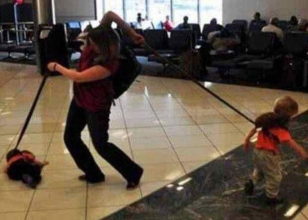 11. Все под контролем! аэропорт, багаж, путешественники, фото, юмор