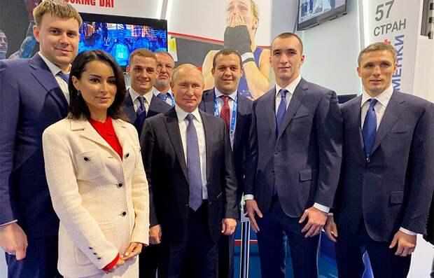 Канделаки сделала фото сПутиным ибоксерами: «Еще никогда нечувствовала себя такой защищенной»