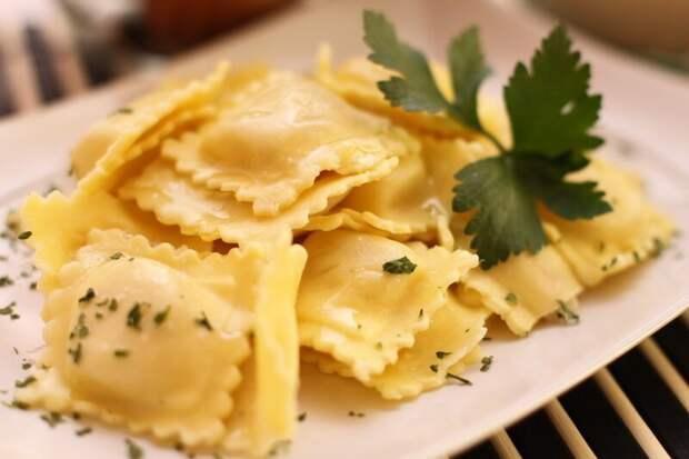 Равиоли вкусно, еда, мясо, начинка, обычаи, пельмени, тесто