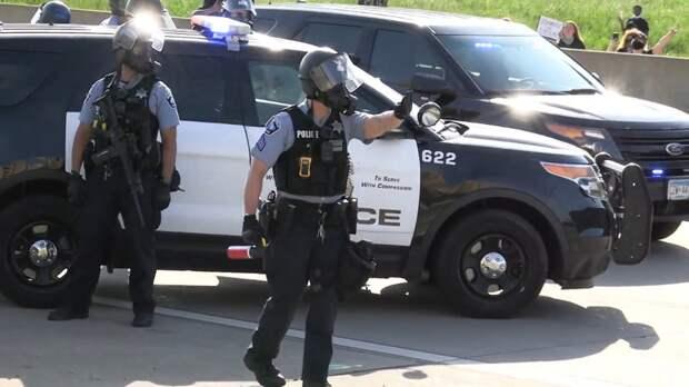 Бывший зек избил полицейских мешком с фекалиями в США