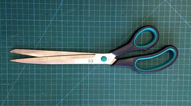 Легкий способ наточить ножницы