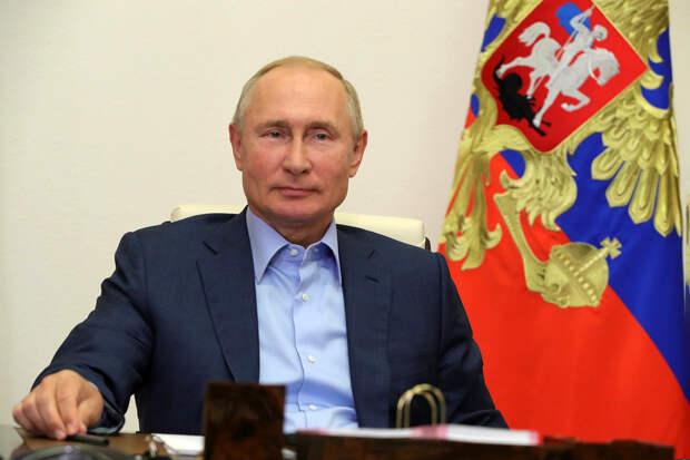 Путин назвал активность женщин важным ресурсом для будущего страны