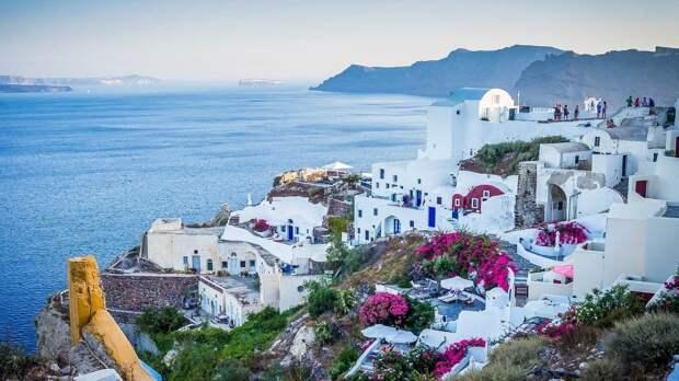Власти Греции сообщили о возобновлении туризма с 14 мая