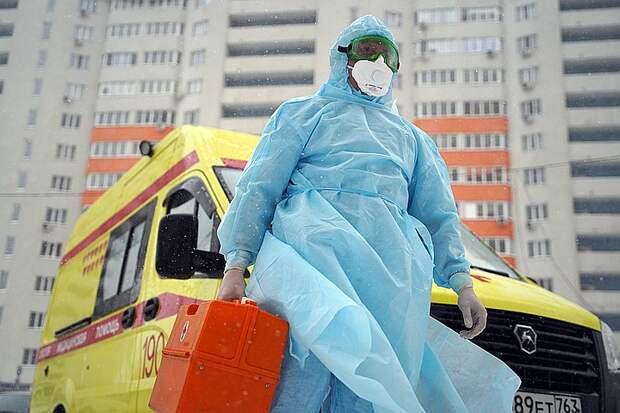 В этом эпидсезоне медикам и всем нам придется сталкиваться одновременно с COVID-19, гриппом и другими ОРВИ
