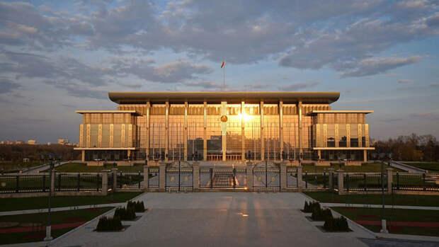 Власти Белоруссии объявили о высылке всех сотрудников латвийского посольства