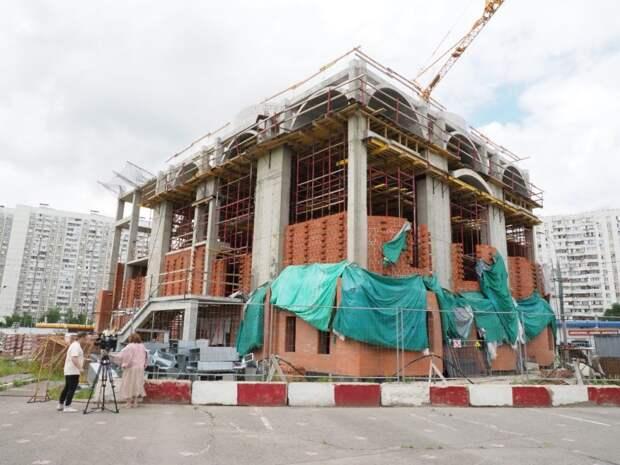 Кровельные работы завершат к концу года в храме на Белореченской