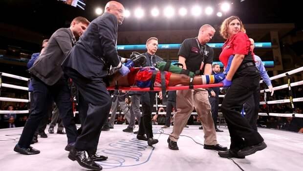 27-летний боксер скончался, невыходя изкомы. Американца отправили внокаут вандеркарде боя Усика
