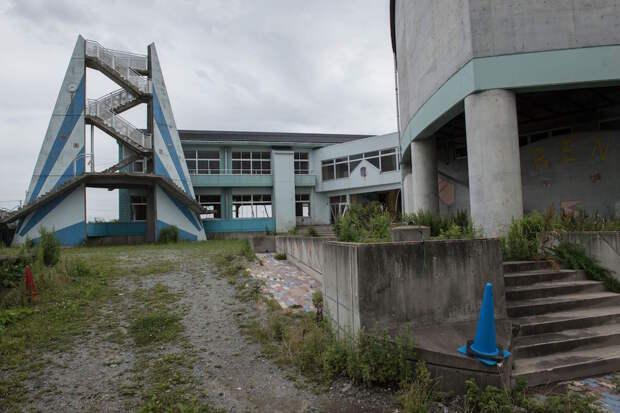 fukushima-japan-nuclear-plant-aftermath13-1
