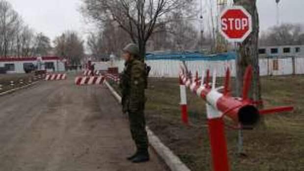 Русских миротворцев призвали бомбить на параде Победы. Политолог выставил встречное требование