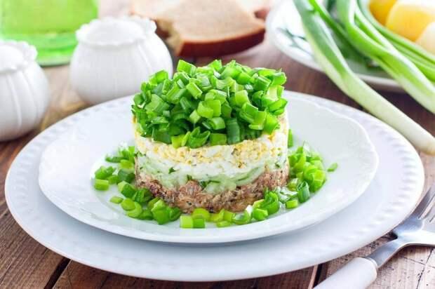 Подруга накормила «Дачным» салатом с капустой: взяла на заметку и приготовила дома (родные оценили, готовится быстро)