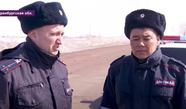 Полицейские из Новоорска рассказали о пройденной вакцинации на федеральном ТВ