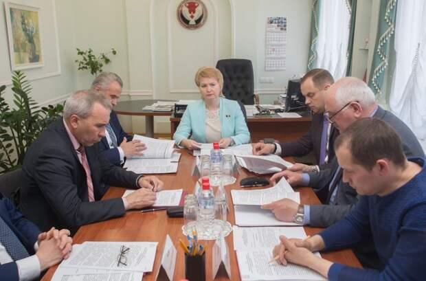 Сельские депутаты Удмуртии пожаловались на трудности при заполнении деклараций