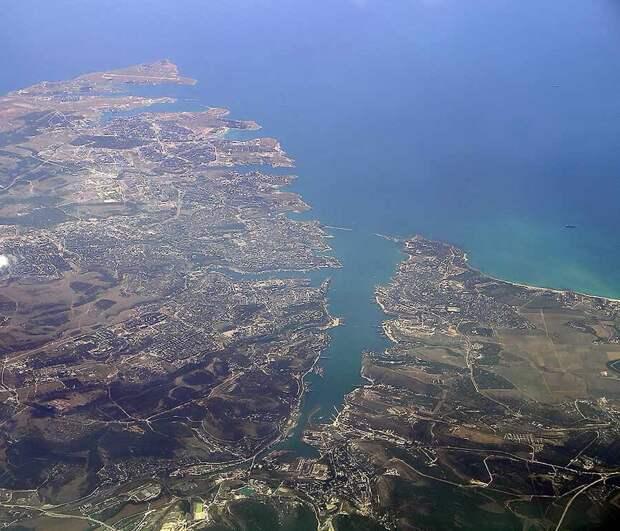 Бабченко: Британцы пощадили русских – корабль мог «смешать с песком весь Севастополь»