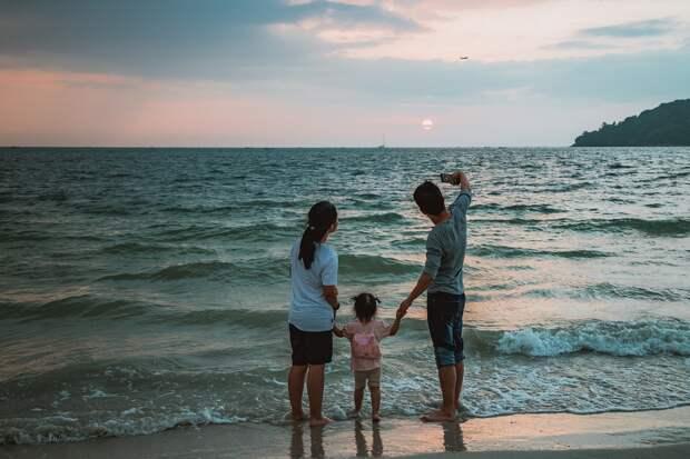 Подписан закон о новых мерах поддержки семей с детьми и беременных